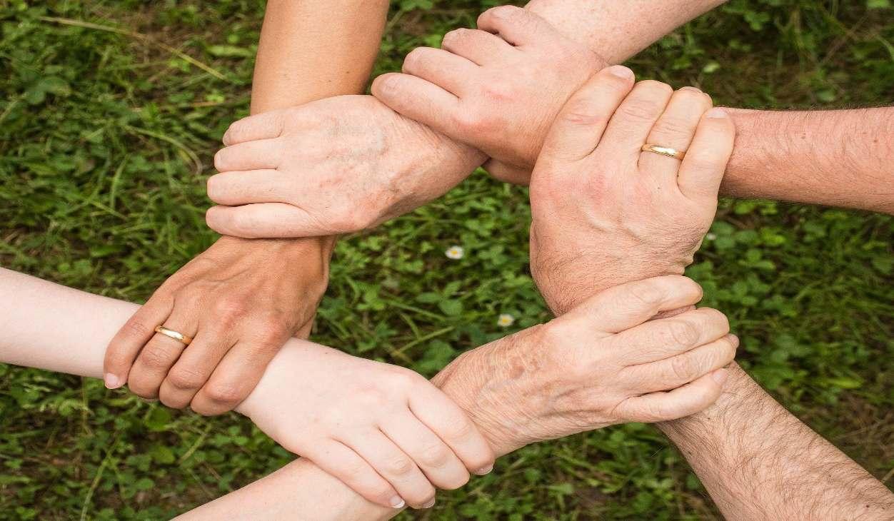 Charla y Meditación.Meditacion Raja Yoga:Solidaridad y cooperación, valores que unen (12 Abril 2020) On-line desde Valencia